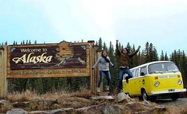 Casi mil días en combi, para cumplir el sueño de unir San Fernando con Alaska