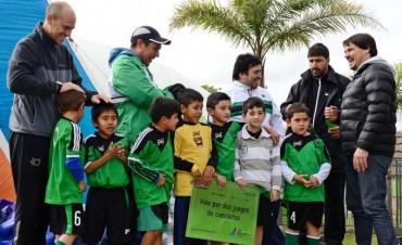 El Municipio entregó materiales deportivos a los equipos de la Liga de Fútbol Infantil y Juvenil