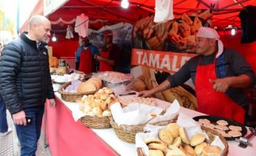La Feria de las Colectividades, a pleno en la plaza Mitre de San Fernando