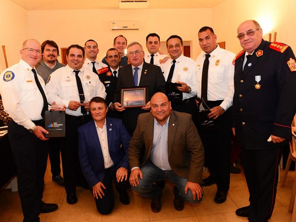 Con apoyo del Municipio y el Rotary Club, Bomberos de San Fernando y de Miami compartieron experiencias