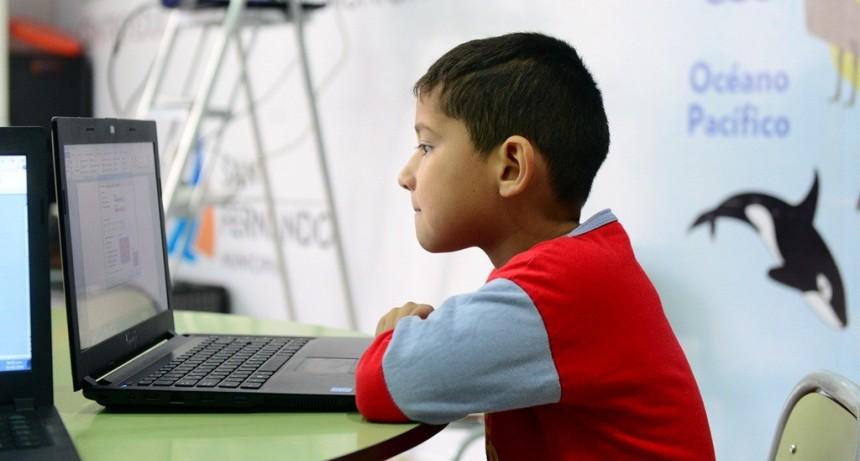 Los chicos de los CEIM de San Fernando aprenden Informática