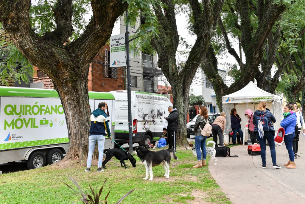 El 'Municipio en tu Barrio' volvió a la Plaza de Dorrego de Victoria