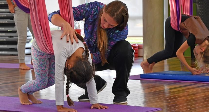 El Poli N° 10 de San Fernando ahora ofrece Yoga, Aero Yoga y Tela Infantil