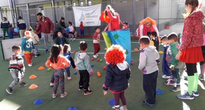 Los niños disfrutaron una tarde de actividades recreativas en el Poli 6 de San Fernando