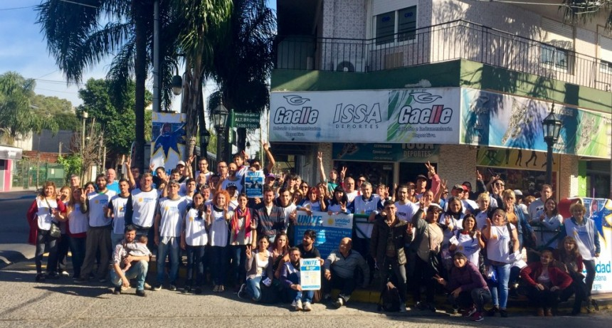 Unidad Ciudadana recorrió Tigre con Cristina Candidata como bandera