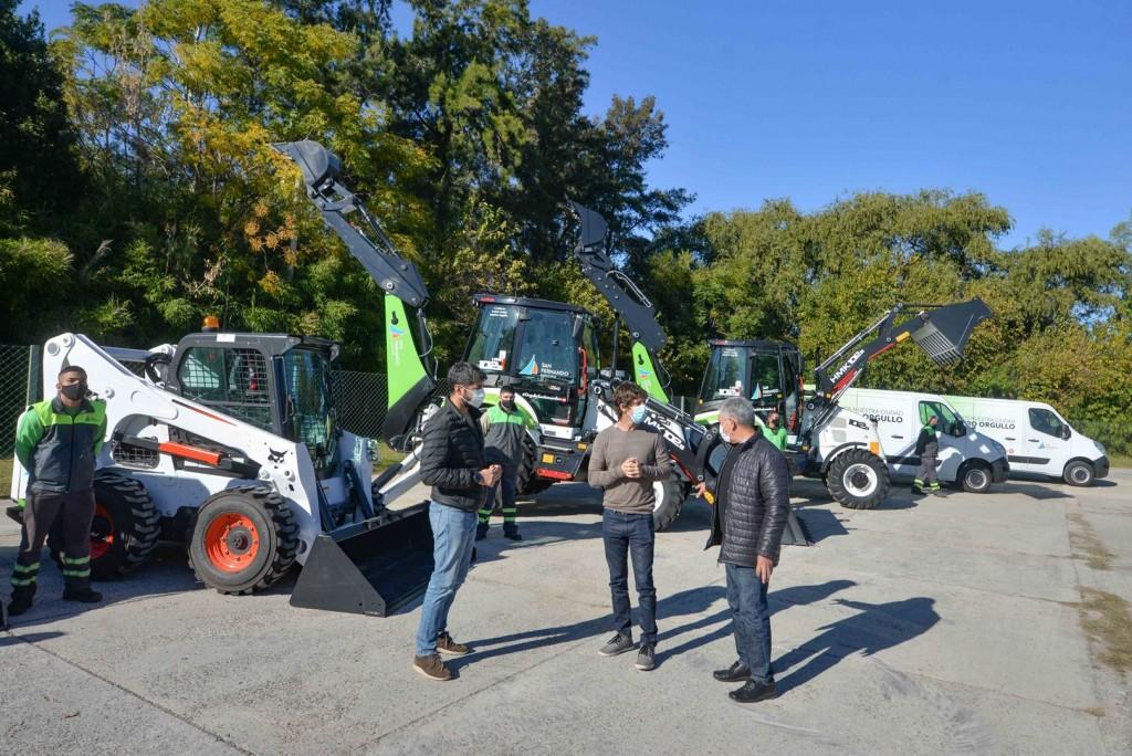 Juan Andreotti presentó seis nuevas máquinas y vehículos para Obras y Espacios Públicos