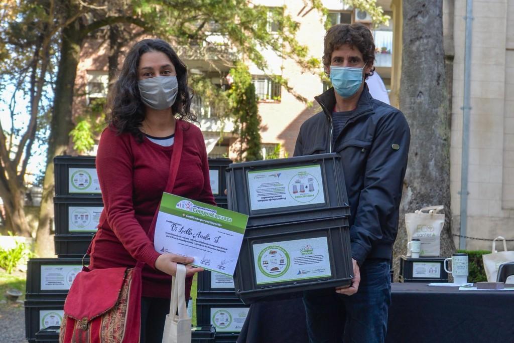 Juan Andreotti acompañó la clase final del primer curso virtual de compostaje de 'Eco Sanfer'