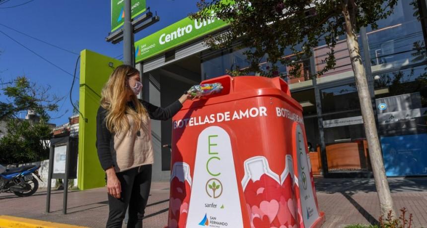 San Fernando continúa instalando campanas de ´Botellas de Amor´ para reciclar plásticos de un solo uso