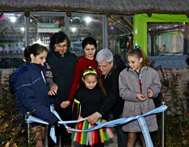 Luis Andreotti inauguró un nuevo Quincho cerrado en el Polideportivo N°2