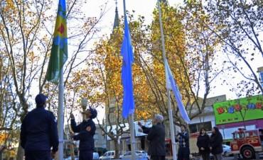 Luis Andreotti homenajeó a los Bomberos Voluntarios de San Fernando en su día