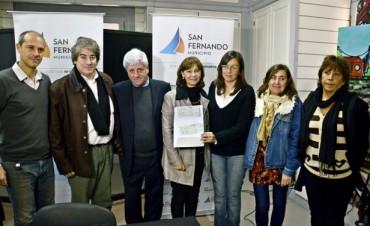 Luis Andreotti entregó un apoyo económico al Consejo Escolar de San Fernando