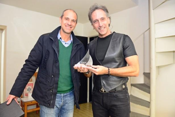 Con gran éxito de público, el Mago Emanuel se presentó en el Teatro Martinelli