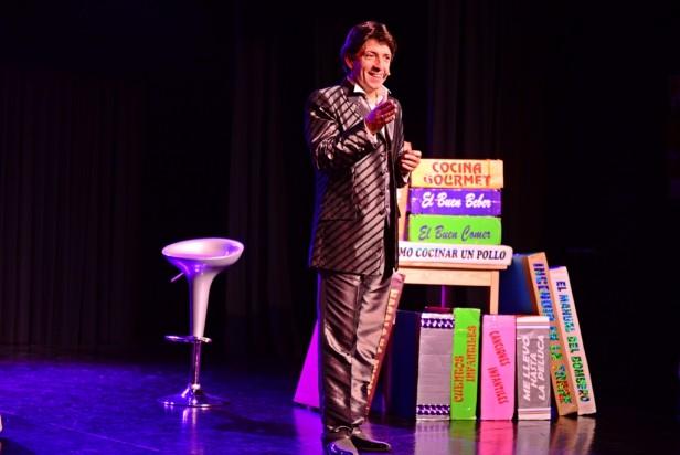 """Gran éxito de público de """"Vengo con el Cuento"""", un  unipersonal de Sergio Gonal en el Teatro Martinelli"""