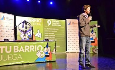 """San Fernando construirá 9 canchas de fútbol con el programa """"Tu Barrio Juega"""""""