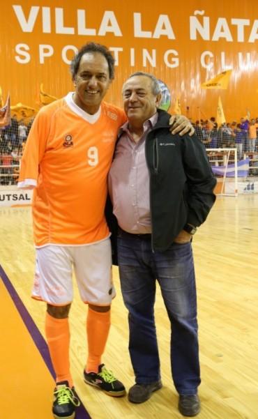 Roberto Passo junto a Daniel Scioli en Tigre