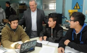 Roberto Passo en la apertura del Centro de Desarrollo Emprendedor en el Industrial de Tigre