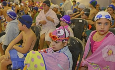 Más de 150 chicos participaron de un encuentro de Natación en el Poli N° 2 de San Fernando