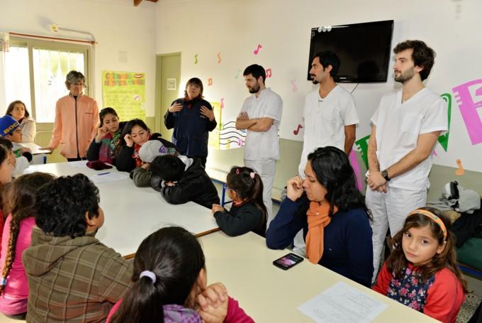 El Municipio realiza charlas y controles odontológicos en los CEIM de San Fernando