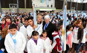 Andreotti encabezó el acto de Promesa de Lealtad a la Bandera con más de 4 mil alumnos sanfernandinos