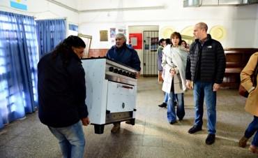 El Municipio de San Fernando otorgó mobiliario a la Escuela N°15