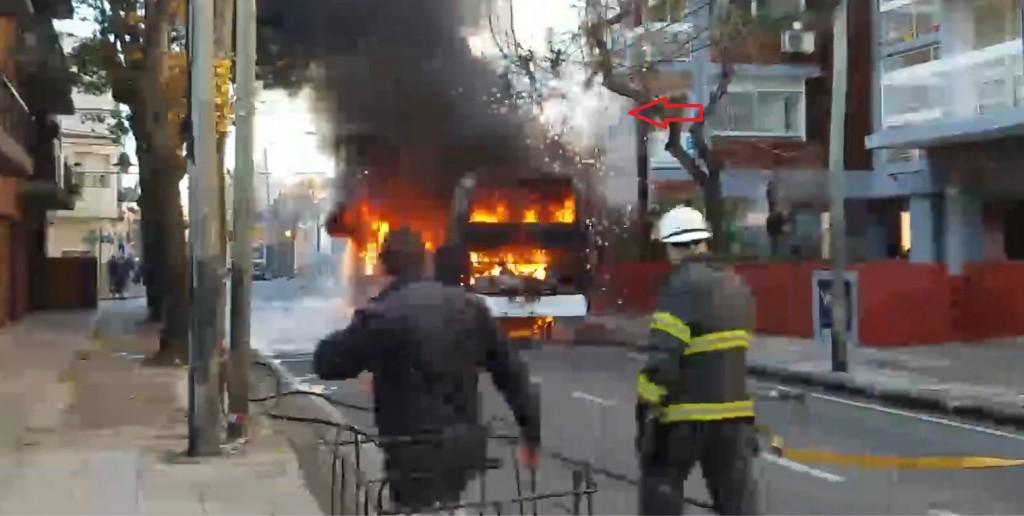 El Centro de Operaciones de Emergencias Municipales (COEM) intervino ante incendio de colectivo