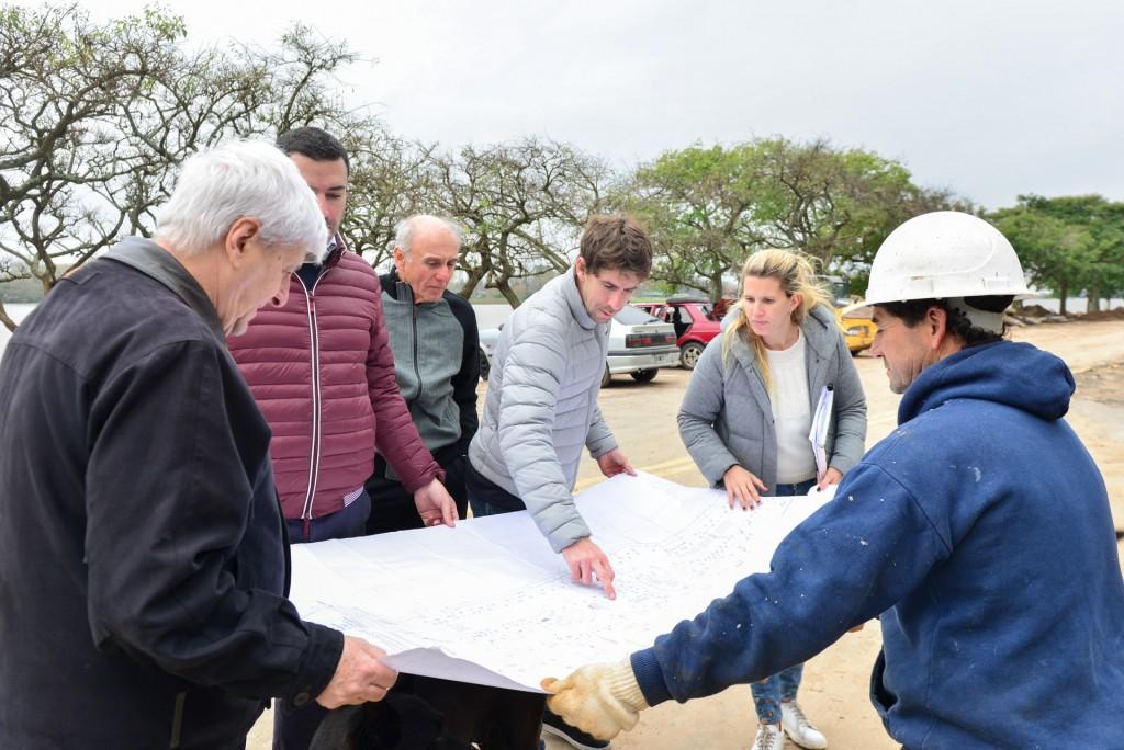 Andreotti recorrió la obra de renovación de la Costanera Municipal