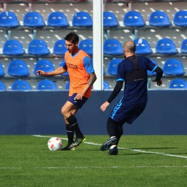 Mañana de fútbol en Victoria! TIGRE disputó dos partidos amistosos ante San Telmo en el Dellagiovanna.