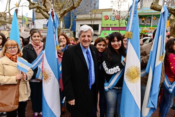 Andreotti celebró el Bicentenario de la patria junto a muchísimos vecinos
