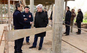 Andreotti supervisó los avances del nuevo Cuartel de los Bomberos Voluntarios