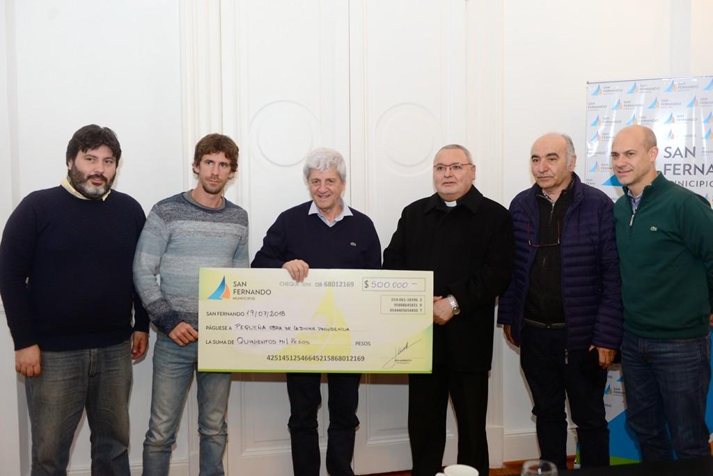 Andreotti entregó una ayuda a la parroquia de la Pequeña Obra de la Divina Providencia