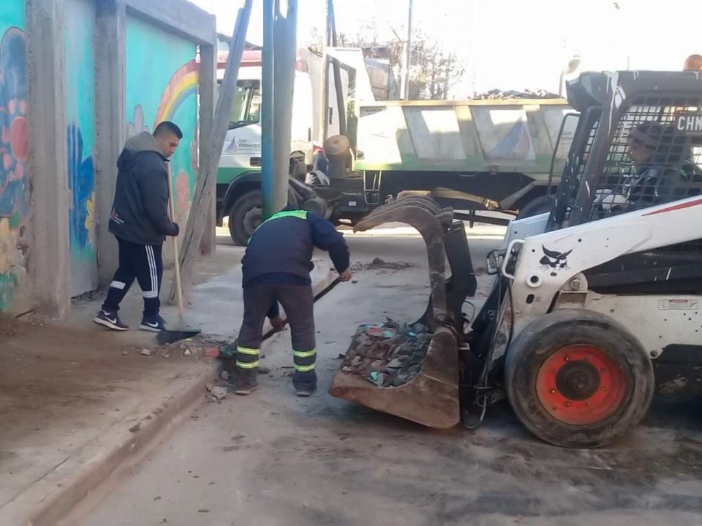 El Municipio realizó un nuevo operativo de limpieza y ordenamiento en el barrio San Jorge