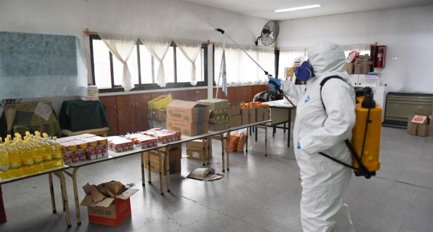 San Fernando sanitiza escuelas que reciben el SAE para prevenir el coronavirus