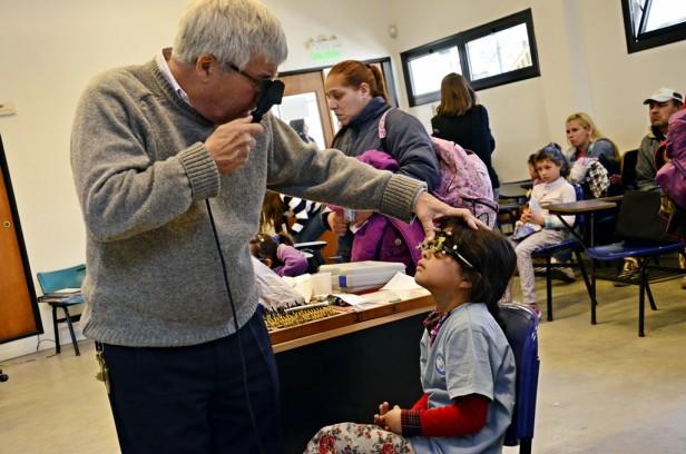 Salud Escolar: se hicieron 200 controles oftalmológicos y entregaron lentes a chicos de primaria