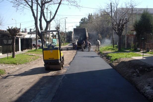 Nuevos asfaltos y obras hidráulicas en El Talar
