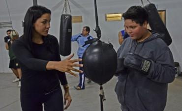 Érica Farías espera un gran semestre: exhibiciones de la Escuela Municipal de Boxeo y su pelea por otro título