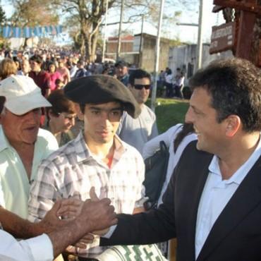 """Massa en Yapeyú: """"San Martín no tenía colores políticos, sólo pensó en la libertad del pueblo"""""""