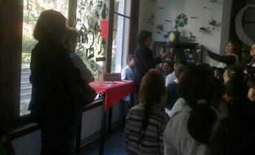 """Escolares visitaron la muestra """"Con Ojos de Niño"""", en el Museo de la Ciudad"""