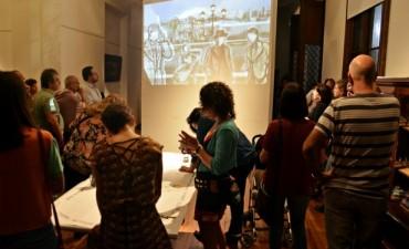 Se inauguró una muestra en homenaje a Julio Cortázar en el Museo de la Ciudad