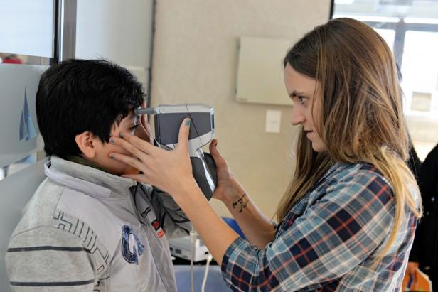 El Municipio de San Fernando gestionó otros 150 controles oculares a chicos de escuelas