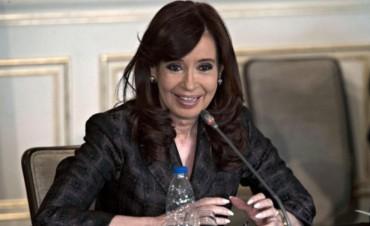 Cristina anunció la llegada de maquinaria pesada para la construcción