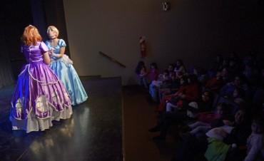 Función del Día del Niño para princesas en el Teatro Martinelli de San Fernando