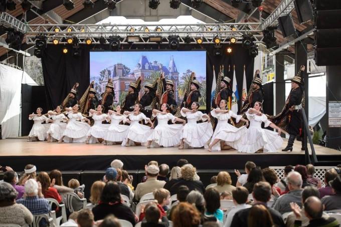 El Ballet de Arte Folclórico Argentino puso al público de pie en un nuevo Festival Internacional en Brasil