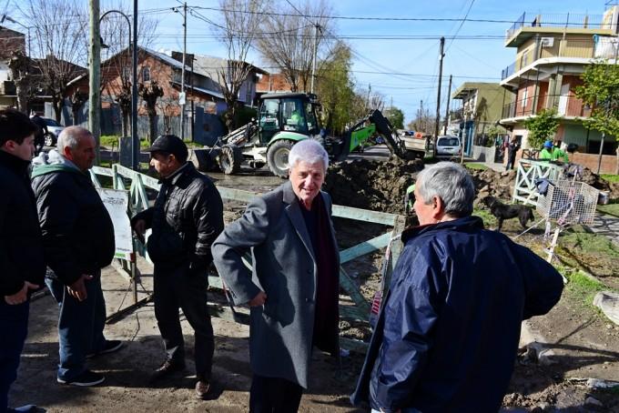 El Municipio refacciona esquinas y calles en Virreyes Oeste