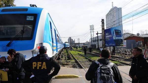Línea Sarmiento restablece servicio completo, sin parada en Liniers y con 15 minutos de demora
