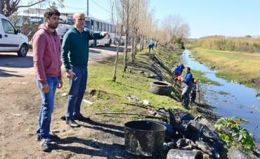 San Fernando y cooperativas de la Provincia limpian el zanjón Fate