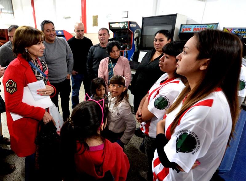 """Alicia Andreotti visitó el Club Social y Deportivo """"El Expreso"""""""