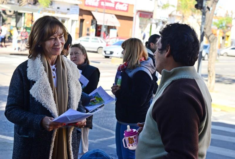 Alicia Andreotti presentó a vecinos y comerciantes la nueva etapa de 'Sanfer Recicla'