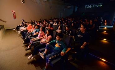 Los CEIM de San Fernando disfrutaron de la obra de teatro infantil 'Vale Hacer Lío'