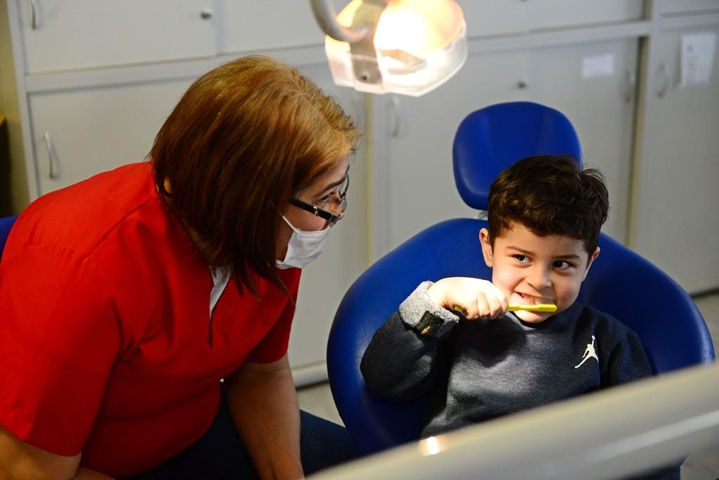 Los chicos de las murgas de San Fernando reciben controles odontológicos