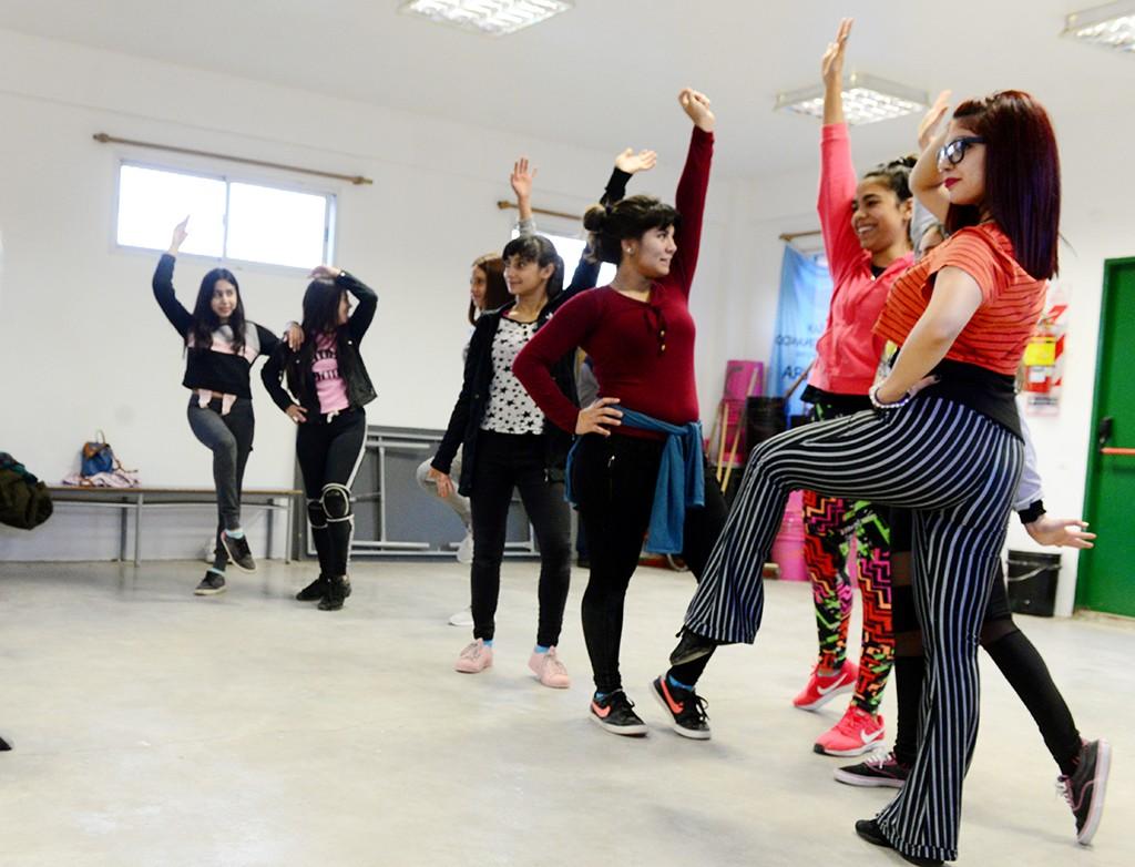 Clases de Bachata y Salsa, y Danza Jazz en San Fernando
